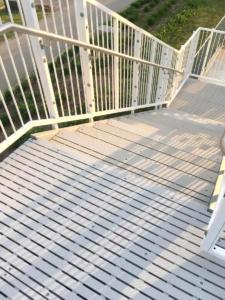 RecStep-safe-waterslide-steps-platform